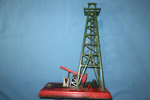 Lionel #455 Operating Oil Derrick for parts