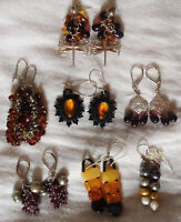 LOT OF 7 PAIRS OF EARRINGS: STERLING SILVER, AMBER, SEMI-PRECIOUS STONES, PEARLS