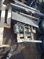 TOYOTA HIACE 1989 - 2004 REAR HYDROLIC PLATFORM LIFTER TAIL GATE ( NO PLATFORM )