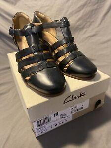 CLARKS Artisan Women's Ciera Gull T Strap Black Leather Pump Sandal Sz US 8 M
