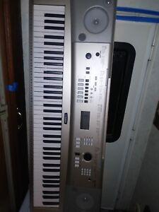 Yamaha YPG 235 Keyboard 76 key digital used piano