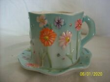 Candle holder with flowers on cup & saucer New, Yankee candle