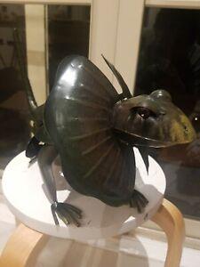 Metal Tin GARDEN Decoration Frilled Lizard ART PIECE GREEN le JARDIN animal aus