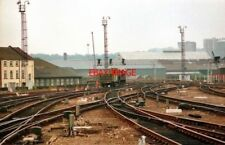 PHOTO  1987 THE APPROACH TO LEEDS CITY RAILWAY STATION FROM WAKEFIELD/LONDON.