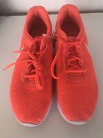 Nike Tanjun Crimson /White  Sneakers Men'.s  Size 9.5  812654-810