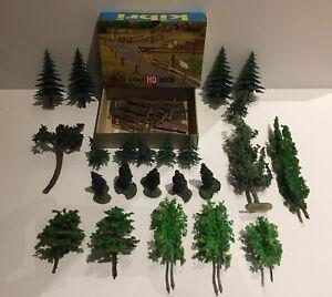 Lot d'arbres et Personnage HO (Preiser-Noch)
