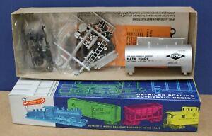 Roundhouse 7867 HO 30' Modern Shorty Tank Car kit  Dow Chemicals NIB #25601
