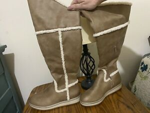 White Mountain Womens Tan Suede boots w/Faux Fur lines&Lining Size 8. Never worn