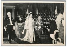 Rome, le roi Victor Emmanuel III et la reine dans la Chapelle du Quirinal  Vinta
