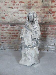 Statue de femme en pierre XVIII eme