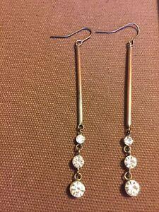 Vintage Beautiful Graduated Rhinestone Dangle Earrings