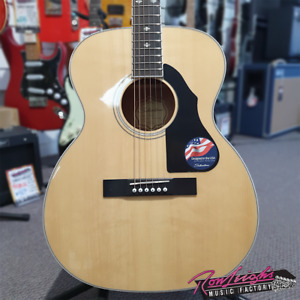 Silvertone 716NA Orchestra Solid Spruce Top Acoustic Guitar - R.R.P $399