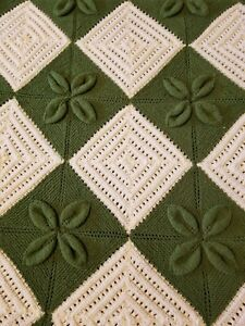 """Hand Knitted Blanket Throw Off White and Green 2D Flowers Pattern 72"""" x 76"""""""