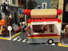 Custom Lego hot dog stand food truck. City / modular / train