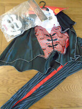 BNWT vampire/dracula halloween fancy dress up with scary laugh. 7-8yrs.Sainsbury