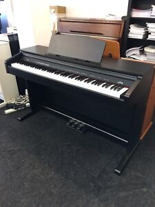 Hadley D10 Digital Piano (Recommended by Teachers) Free Headphones & Book