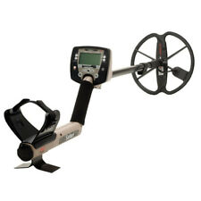 "Minelab Safari Metal Detector with 11"" coil FBS technology"
