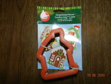 WILTON  GINGERBREAD HOUSE COMFORT GRIP COOKIE CUTTER Item# 2310-674