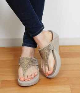 NEW FITFLOP WOMEN Sz10US FLARE CRYSTAL SHIMMER SANDALS SUEDE LEATHER PEBBLE