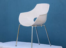Chaises blancs pour le bureau