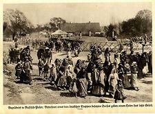 Funeral en ruso-plen. residentes de un de alemanes ocupados aldea... 1915