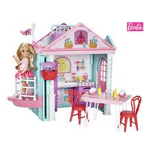 Mattel Chelsea Puppe mit Teddy, Haus und Zubehör Barbie Schwester