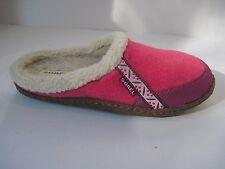 Sorel Women's Slippers Bubble Gum Pink Textile No Slip Gum Sole Slip On Fur Sz.6