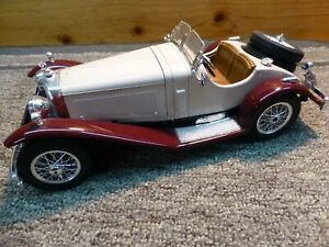 BURAGO 1928 MERCEDES BENZ SSK DIE CAST 1:18 MADE IN ITALY