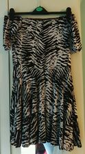 Missguided Nero E Bianco Zebra Print fuori la spalla Skater abito/top taglia 12