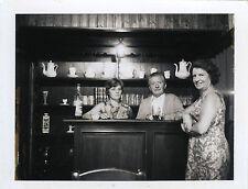 PHOTO ANCIENNE - VINTAGE SNAPSHOT - BISTROT BAR CAFÉ COMPTOIR POLAROID - PUB