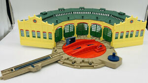 Thomas & Friends TrackMaster Tidmouth Sheds + Turntable Tracks Roundhouse 2006