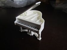 Vintage Fisher Price Dollhouse Doll house 4326 Piano 1985-1985 white black keys