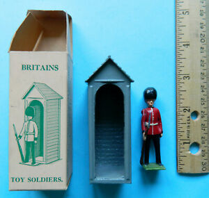 Vintage Wm. Britains 54mm painted metal Sentry Box 329 guard toy soldier figure