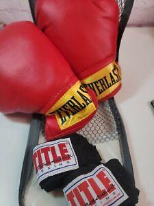 Everlast Small Laceless Boxing Training Gloves Level I Model 3003 Red