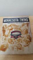 2009 Official MINNESOTA TWINS Baseball Team Yearbook HHH Metrodome Magazine