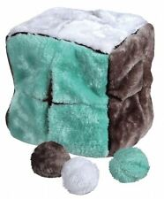 Trixie Cube with 4 Game Balls, Stuffed 21 CM