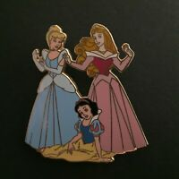 Disney Auction Three Princesses Aurora Cinderella Snow White LE Disney Pin 29169