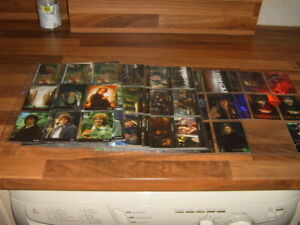 Set of 90 Topps Lord Of The Rings TFOTR 2001 trading cards + chase card sets