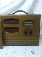 MONARCH VACUUM TUBE BATTERY POWER AM PORTABLE RADIO Must see
