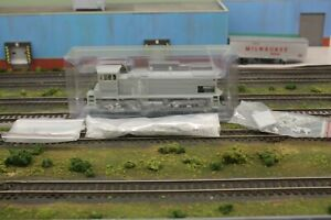 Athearn Genesis HO Undecorated MP15-AC