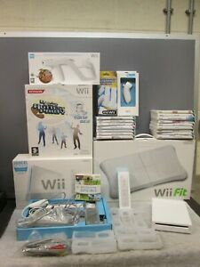 Nintendo WII Console Bundle/Joblot with Accessories and Games.