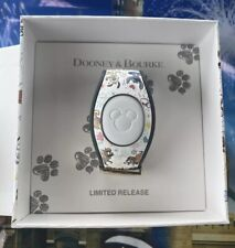 Disney Parks 2020 White Dogs Magic Band Dooney & Bourke Limited Release New