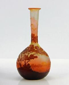 Emile Gallé Nancy sign. Vase mit Flusslandschaft, Bäumen und Büschen ~1902/1904