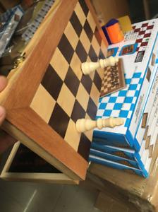 40*40*5cm Magnetic Large Chess Set Wooden Timber Oak Folding Chessboard AU STOCK