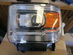 2014-2017 GMC Sierra/Denali 1500-3500 Series, Driver Side Halogen Headlight Asse