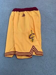 Cleveland Cavaliers Adidas On-Court Replica Shorts (Gold) Size Youth Medium
