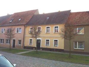 10 % Nettomiete- 25.000,00 €  Pro Jahr - 4 x vermiet. EFH- als Immobilienpaket