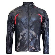 Wasserfeste Jacken aus Nylon
