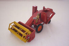 MATCHBOX - MAJOR PACK - M 5 - MASSEY FERGUSON COMBINE HARVESTER -  (3.MB-44)
