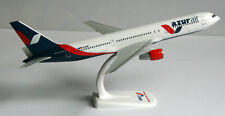 Azur Air Boeing 767-300er 1:200 Herpa Snap-Fit 611749 b767 azurair avion